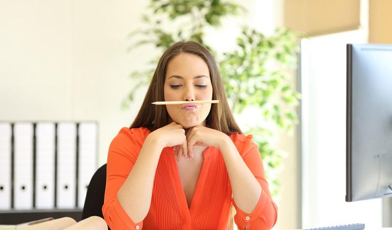 Viele Mitarbeiter langweilen sich und erledigen nicht ihre eigentliche Arbeit. (#1)