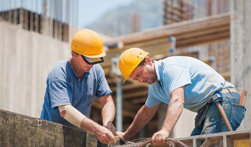 In der Baubranche sind zahlreiche Mitarbeiter für Zeitarbeitsfirmen tätig. (#2)