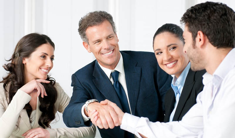 Bevor es zu einem Tarifabschluss kommt, sind harte Verhandlungen zwischen den Tarifpartnern die Regel. (#2)