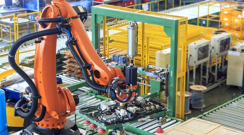 In einem Arbeitssystem der Industrie 4.0 sind alle Geräte online und über eine Cloud verbunden.