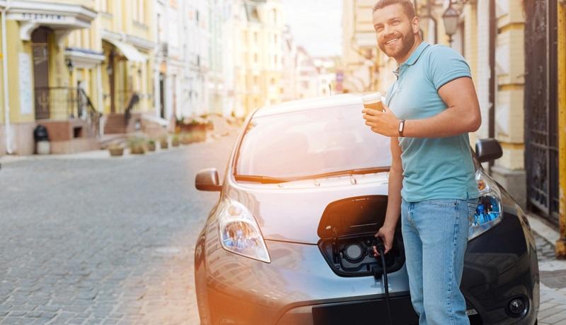 Gegen die positive Entschätzung der Kaufprämie für Elektrofahrzeuge durch die Hersteller steht aber die praktische Art und Weise, wie die Prämie bei den Kunden ankommt.