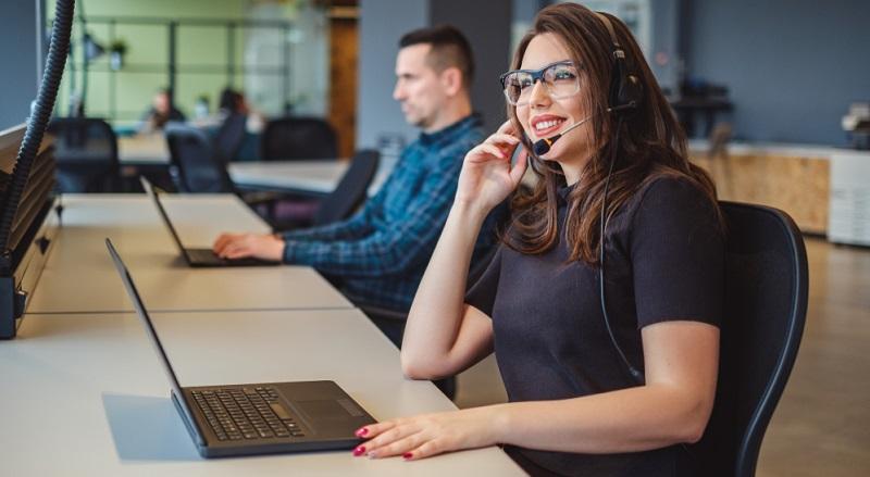 Telefonakquise Dieses Instrument der Neukundengewinnung wird in den meisten Fällen als Kaltakquise angewendet, wobei es sehr wichtig ist, dass die Methode von Mitarbeitern angewendet wird, die bereits sehr gute Erfahrungen mit Telefontraining besitzen.