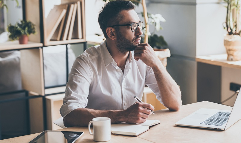 Auch wenn man von einem potenziellen Kunden, den man im Rahmen der Neukundengewinnung anschreibt, eine Adresse und einen Namen des Ansprechpartners hat, ist das noch lange nicht als eine Geschäftsbeziehung zu betrachten.