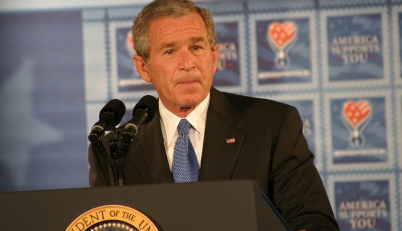Im Februar 2013 gab es einen riesigen Aufstand deshalb: Die E-Mail Konten der Familie Bush waren gehackt worden. ( Foto: Shutterstock-_Jason and Bonnie Grower )