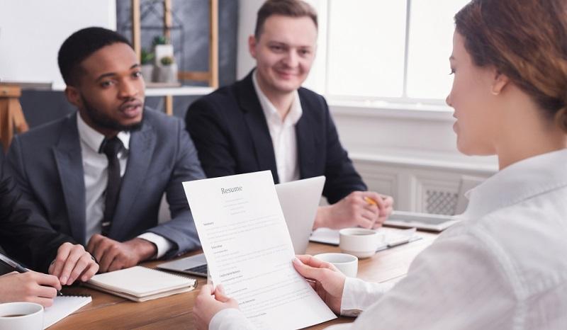 Wenn der Arbeitgeber sein Image so gestalten will, dass es den Wertvorstellungen der Kandidaten entspricht, dann ist es wichtig, darauf zu achten, auf welche Weise diese sich über die Unternehmenskultur informieren