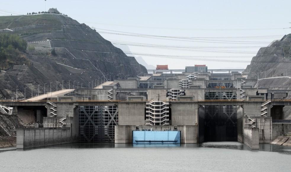 Die fünfstufige Schleusenanlage des Drei Schluchten Staudamms. (#1)