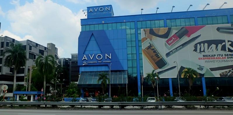 Berühmtestes Beispiel sind die Unternehmen Avon Products Inc. sowie Amway, die jährlich mehrere Billionen Dollar Umsätze verzeichnen und in deren Netzwerken über drei Millionen Mitarbeiter tätig sind.