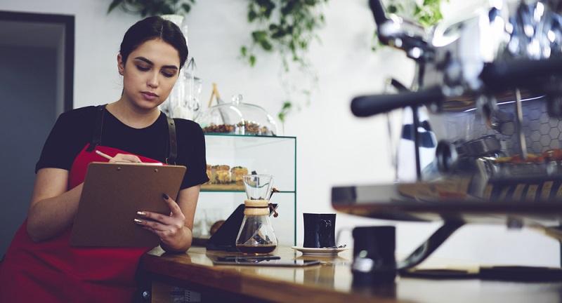 Wie viel Erfolg man mit der Gründung eines eigenen Business hat, hängt ganz entscheidend davon ab, ob man Geschäftsideen entwickelt, die sich am Markt umsetzen lassen.