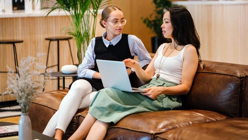 Auf Portalen wie founderio.com oder Startupsucht.com werden gezielt Mitgründer für ein Geschäft gesucht.