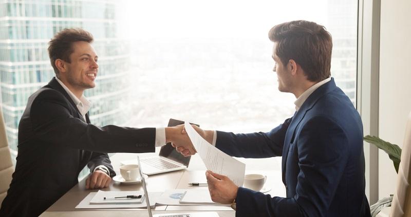 Zählt man den Handel und die Finanzdienstleistungen hinzu, kommt man zu dem Ergebnis, dass es sich bei über 80 Prozent aller neu gegründeten Unternehmen um Dienstleistungsbetriebe handelt.