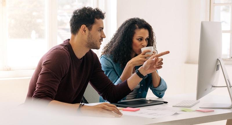 Eine Führungskraft entscheidet sich in der Regel eher für den Arbeitgeber, bei dem die Angestellten zufrieden sind als für einen, bei dem die Mitarbeiter durch Krankheit und ständige Fluktuation glänzen!