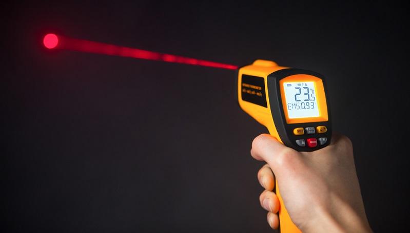 Laserthermometer im Einsatz