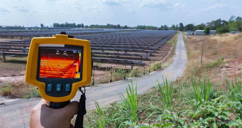 Messung der Temperaturen im Solarpark mittels der Wärmebildkamera