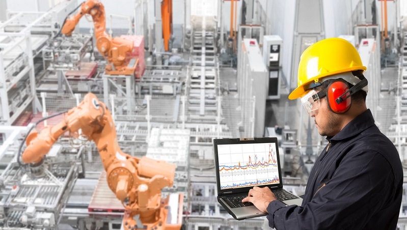 Verschiedene Modelle werden miteinander verknüpft und bilden eine virtuelle Maschine ab, deren Prozesse simuliert werden können. Der Maschinenbauer kann somit die Stabilität der Maschinen und Anlagen einschätzen und bestenfalls erhöhen.