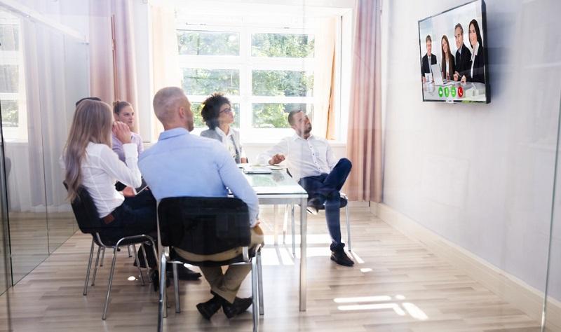 Durch das Video befassen sich die Interessenten näher mit dem Unternehmen oder mit einem Produkt/einer Leistung.