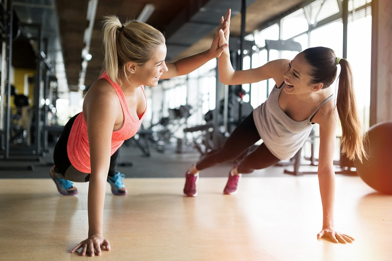 Möchte der Arbeitgeber kleine Aufmerksamkeiten vergeben und einen Betrag zur Mitgliedschaft im Fitnessstudio zuschießen, wird das nicht anerkannt. (#04)