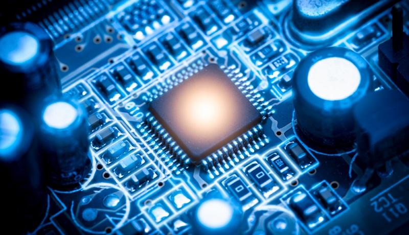 Die ersten Chipsätze für C V2X sollen bereits bald auf den Markt kommen.