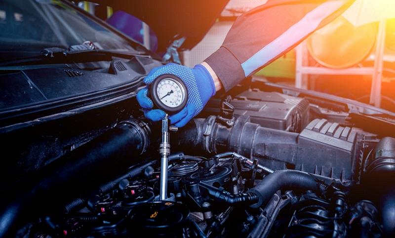Angesichts der Tatsache, dass die Elektromobilität zunehmend an Bedeutung gewinnt, ist es nur allzu verständlich, dass die Forschung auch den Bereich der Temperatur berücksichtigt. Batterie, Motor, Bordelektronik und Ladestecker sind auf eine zuverlässige Temperaturkontrolle angewiesen.