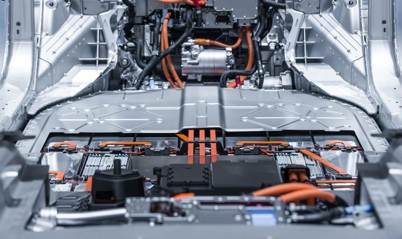 Die Herausforderung für die Ingenieure besteht darin, eine gleichmäßige Temperatur zu erreichen. Dies allerdings in jeder einzelnen Zelle der Batterie! Es sind konsequente Temperaturmessungen gegen den Ladungsverlust der Batterien nötig, denn die Abweichungen der Temperaturen in den einzelnen Zellen dürfen höchstens zwei Grad Celsius betragen.