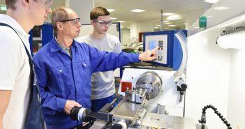 Metall-Drehmaschine mit Berufserfahrung: Von der Investition in gebrauchte Drehmaschinen