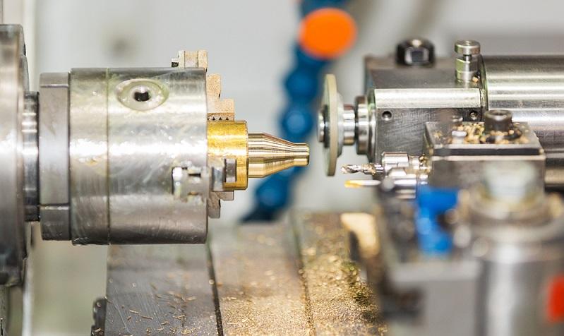 Natürlich sollten Unternehmen gut überlegt in gebrauchte Maschinen investieren, denn auch wenn die Kaufpreise bei einer gebrauchten Metall-Drehmaschine deutlich niedriger sind als bei neuen Maschinen, muss das Geld dennoch aufgebracht werden.