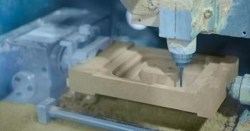CNC-Fräse: Holz fräsen oder 3D-Druck?( Foto: Shutterstock- Zyabich)