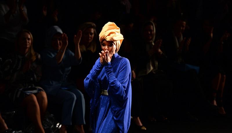 Halima Aden hat noch einen weiteren Erfolg für sich verbuchen können. Sie ist nun seit Neuestem neben Larsen Thompson oder Georgia May Jagger eine Pandora Muse.  ( Foto: Shutterstock-  Burcu Ergin )
