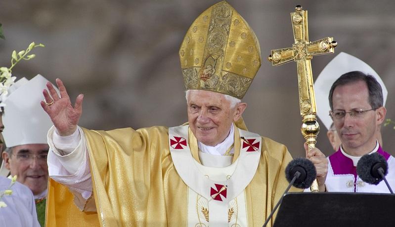 Damals veröffentlichte der Vatikan all diese Briefe auf seiner Webseite, nannte dabei die Namen der Absender aber nicht. Papst Benedikt hätte diesen Menschen niemals antworten können, diese wäre zeitlich und arbeitstechnisch ein Ding der Unmöglichkeit gewesen. ( Foto: Shutterstock-Maxisport )