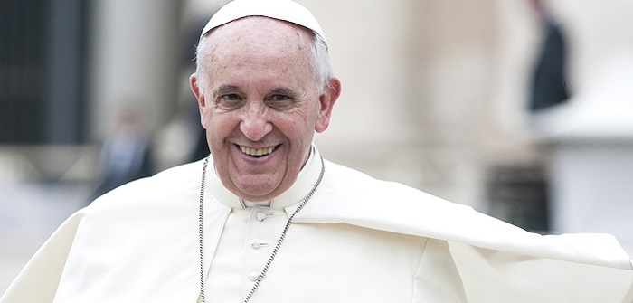 Does Pope use E-Mail? (Benutzt der Papst E-Mail?) ( Foto: Shutterstock-giulio napolitano)