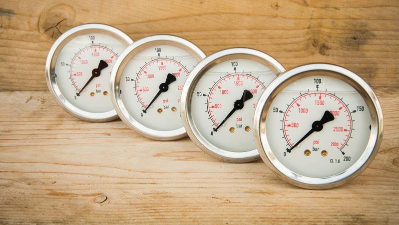 Wir Menschen können über unsere Haut Temperaturunterschiede wahrnehmen. Unsere Sinneszellen merken also, wenn die Umgebungstemperatur fällt oder ansteigt. Dieses Empfinden ist aber stark subjektiv geprägt und unterliegt keiner Skala. ( Foto: Shutterstock- _Xmentoys )