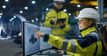 Industriefachwirt: Das ist drin für Sie (Foto: shutterstock - Gorodenkoff)