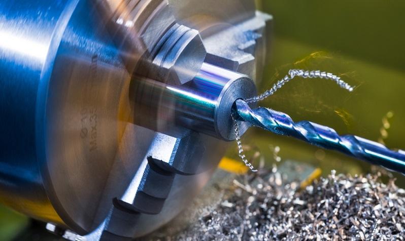 Früher waren Drehteile vor allem etwas für große Industriebetriebe, die Massenprodukte oder hochwertige Einzelprodukte fertigen konnten, die für bestimmte Anwendungen (z. B. in der Raumfahrt) benötigt wurden. ( Foto: Shutterstock- KPixMining)