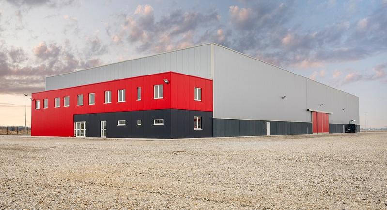 Ein Flachdach hat eine geringe Dachneigung von maximal 10 Grad, wobei in Österreich sogar nur fünf Grad vorgeschrieben sind. ( Foto: Shutterstock- Zivica Kerkez _)