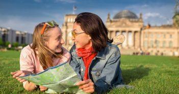 Diätenerhöhung Bundestag: Wann 20.000 Euro erreicht sind ( Foto: Shutterstock-Diätenerhöhung Bundestag: Wann 20.000 Euro erreicht sind. ( Foto: Shutterstock-frantic00 )