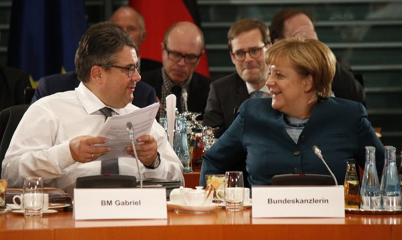 Sigmar Gabriel: Nebeneinkünfte zwischen 15.000 und 30.000 Euro monatlich für publizistische Tätigkeiten ( Foto: Shutterstock-360b)