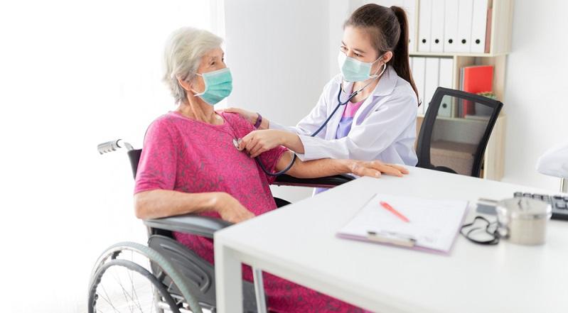Auch wenn Digital Health als Motor des Gesundheitssystems angepriesen wird, konnten sich die neuen Technologien noch bis vor Kurzem kaum behaupten. ( Foto: Shutterstock-_ Akkalak Aiempradit )