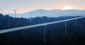 Hyperloop Deutschland: Dirk Ahlborn fordert Elon Musk heraus ( Foto: Shutterstock-petrmalinak)
