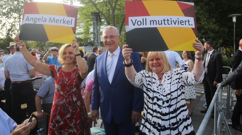 Joachim ist Mitglied des Landtags und kann Auskünfte zur aktuellen Lage in Bayern geben. ( Foto: Shutterstock- lonndubh )