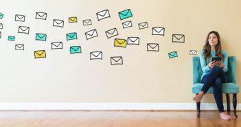 Die Entwicklung des Internets mit Prof. Zorn erleben: Werner E-Mail schicken oder anrufen! ( Foto: Shutterstock- TierneyMJ )