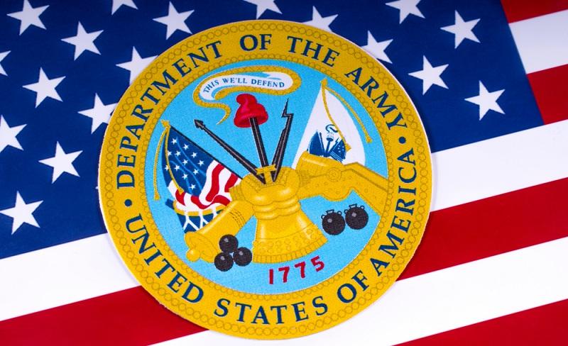Die verschiedenen Knoten, mit denen das Internet auch seitens des US Department of Defence betrieben wurde, konnten 1983 langsam zusammengeführt werden. ( Foto: Shutterstock-chrisdorney)