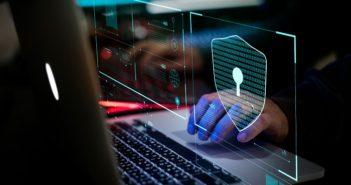 Cybersicherheit 2021: Aktuelle Trends (Foto: shutterstock.com / Rawpixel.com)