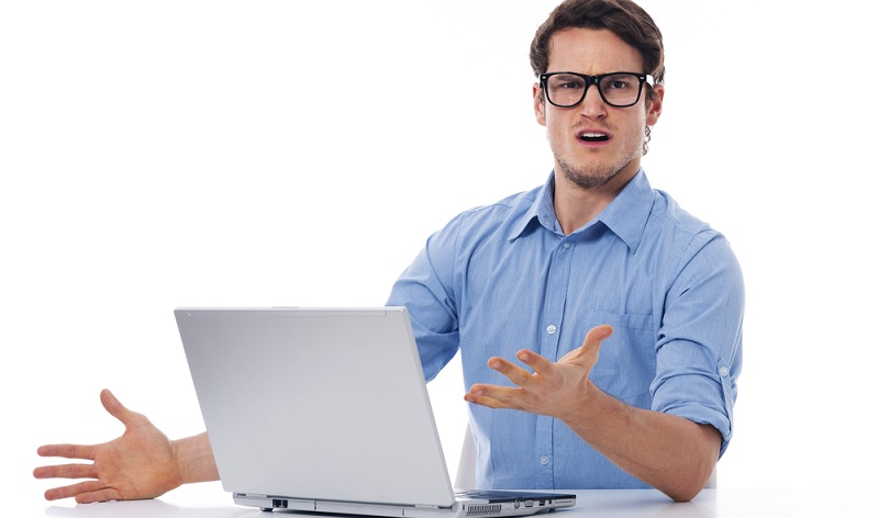Für den Bereich der IT sollte ein Ansprechpartner festgelegt werden, der einen Vertreter braucht. Sollte einer der beiden oder sogar beide das Unternehmen verlassen, muss an den Nachfolger für diese Aufgabe gedacht werden!  ( Foto: Shutterstock-gpointstudio )