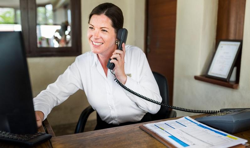 Wichtig ist, dass die Sekretärin zumindest Englisch sicher beherrscht, denn ohne diese Weltsprache wird der Businessalltag schwer. (Foto: Shutterstock-Rawpixel.com _)