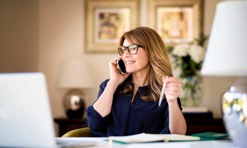 Ein bloßes Vereinbaren von Terminen und das Bereitstellen von Tee oder Kaffee zur Morgenkonferenz sind schon lange nicht mehr die einzigen Aufgaben der Sekretärin in einem Unternehmen. (Foto: Shutterstock-Kinga)