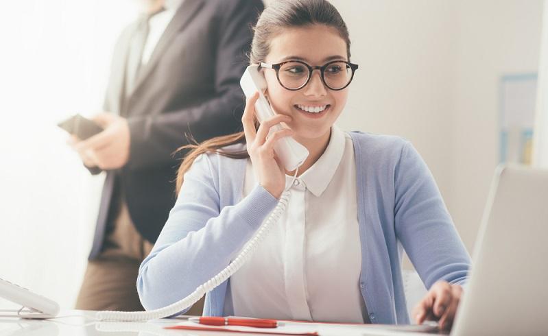 Eine gute Sekretärin ist ein wahres Allroundgenie, Multitalent und wichtigster Teil des Teams. (Foto: Shutterstock- Stokkete_)
