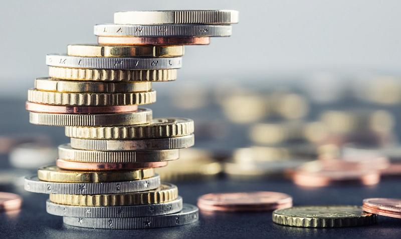 Verbraucherschützer kritisieren die Praxis der Geschäftsbanken, die erhobenen Negativzinsen als Verwahrentgeld zu deklarieren. (Foto: Shutterstock- Marian Weyo )