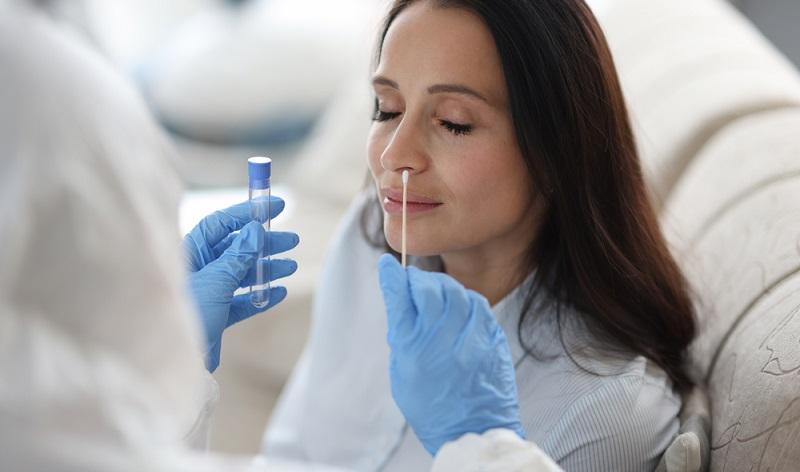 Wie in allen Bereichen des Lebens wirkte sich die Corona-Pandemie auch auf die Umstellung der Norm DIN EN ISO/IEC 17025 aus. (Foto: Shutterstock- H_Ko)