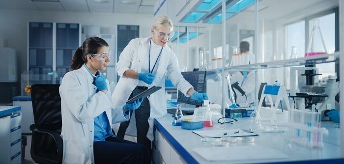 DIN EN ISO/IEC 17025:2018: Definition, Übergangsfrist, Geltungsbereich, Seminare (Foto: Shutterstock-_Gorodenkoff )