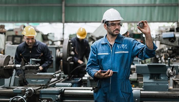 Die Grundbetreuung ist in allen Unternehmen wichtig, die maximal zehn Beschäftigte aufweisen. (Foto: Shutterstock- eakkachai halang )