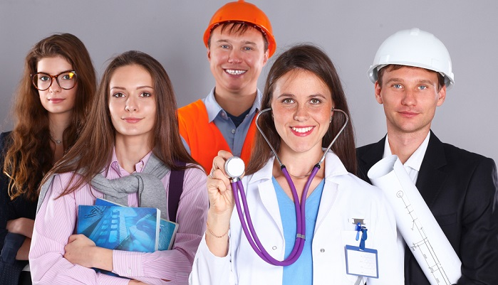 Der Betriebsarzt übernimmt im Unternehmen wichtige Aufgaben. ( Foto: Shutterstock-Sheff)
